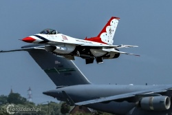 U S A F Thunderbirds 5879
