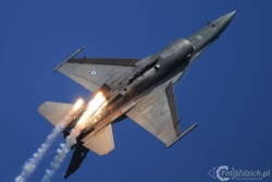 F 16 G IMG 5992