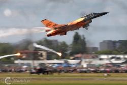 F 16 AM 2263