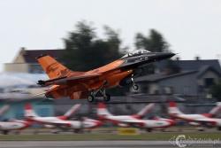 F 16 AM 7545