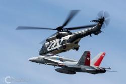 Super Puma-F 18 Hornet 5127