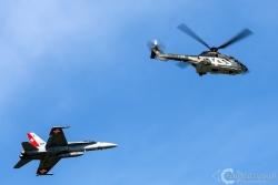 Super Puma-F 18 Hornet 5138