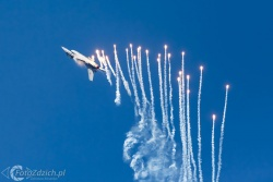 F 16 Demo Team RNLAF 2435