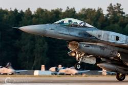 F16 4000