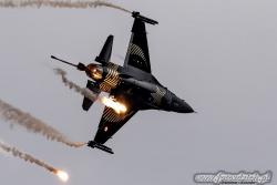 F 16 SoloTurk