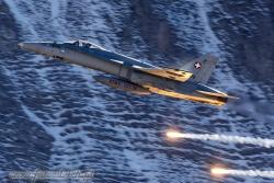 01 F A 18C Hornet 9089