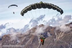 01 Parachute Military 7376
