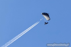 02 Parachute Military 9327