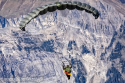 03 Parachute Military 7377
