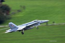 04 FA 18C Hornet 5846