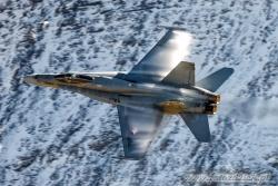 06 F A 18C Hornet 6750