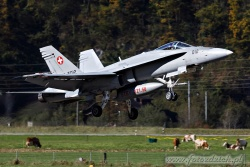 16 FA 18C Hornet 3451